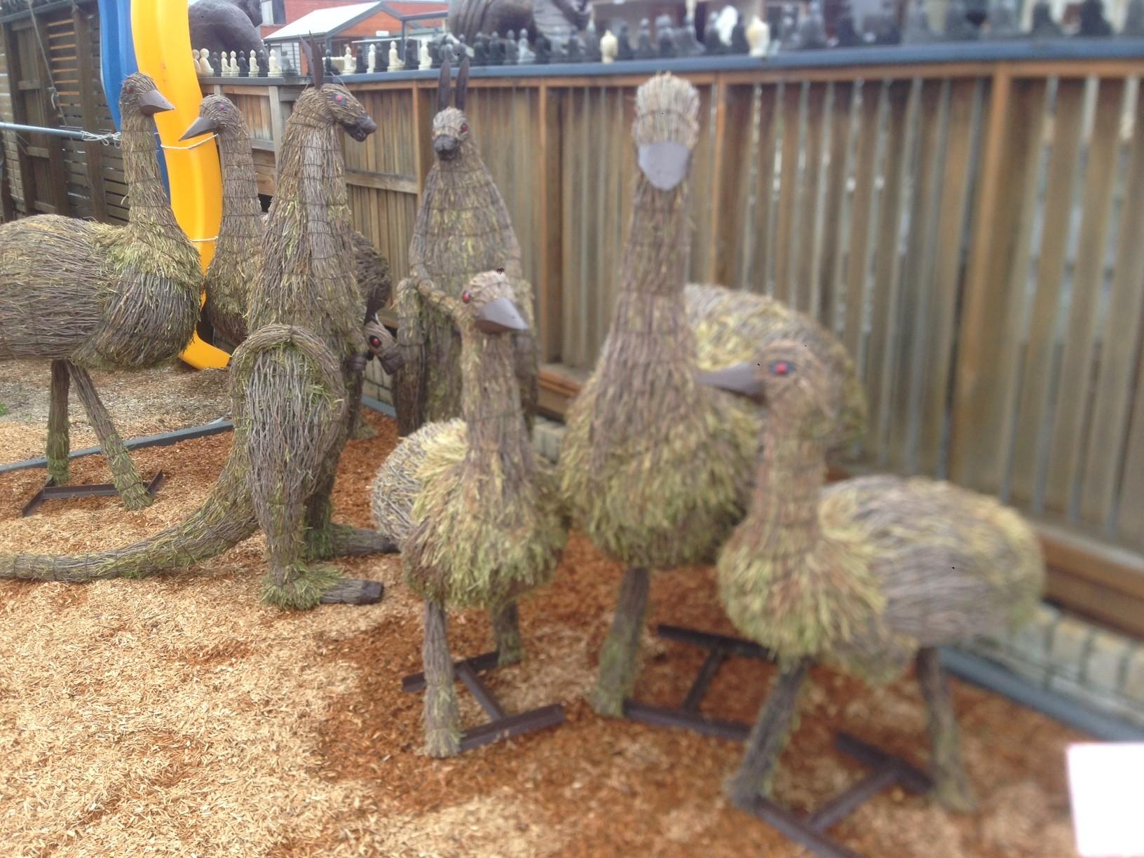 Emu statue brush